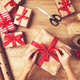 Christmas gift wrapping momclone 1080x750
